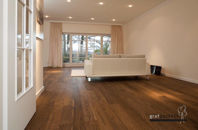 Nussbaum-Holzboden
