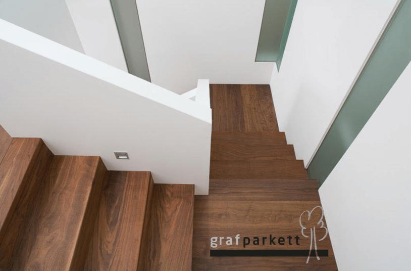 Treppe-aus-Parkett