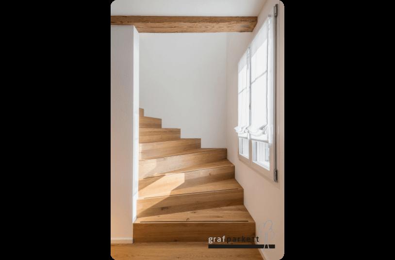Treppe-Fertigparkett